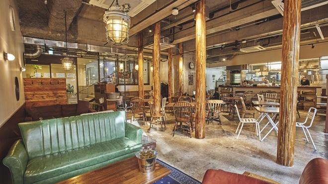 ハイステータスパーティー 日本橋 室町カフェ ハチ